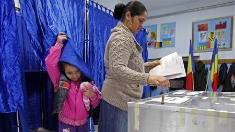 Romanians elect new Parliament. 35 polling stations opened in Moldova