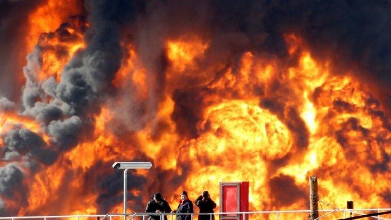 Fuel tank ablaze in Oil Refineries in Israeli city of Haifa