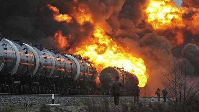 Gas carrying train explodes killing five in Bulgaria