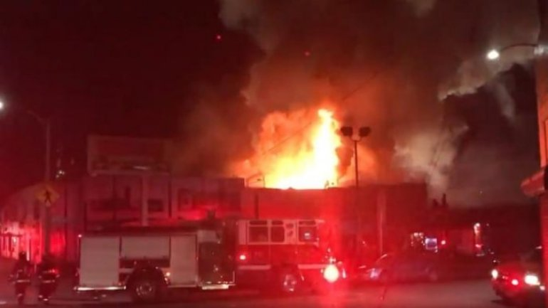 At least nine dead, 20 missing after fire breaks out at Oakland warehouse during concert (VIDEO)