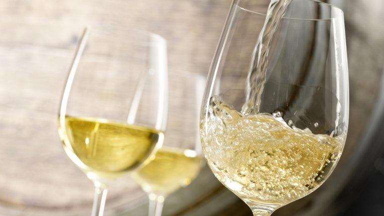 Study: White wine raises melanoma risk