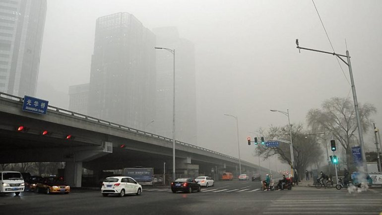 Dozens of flights disrupted in Chinese city due to smog
