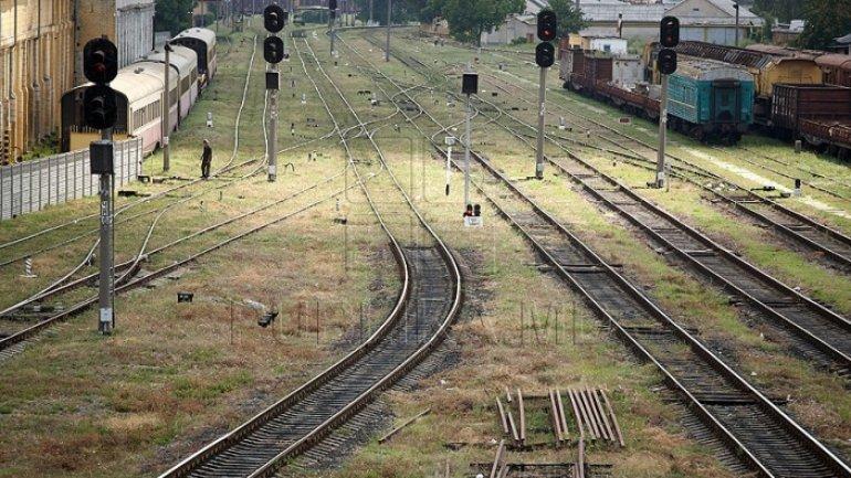 Car hit by train in Sangera town