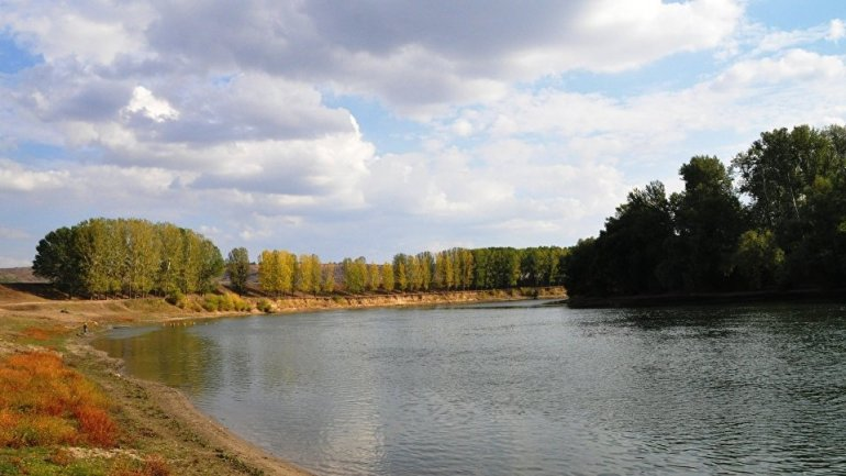 Environmental hazard: Pollution of Dniester river water at very high level of risk