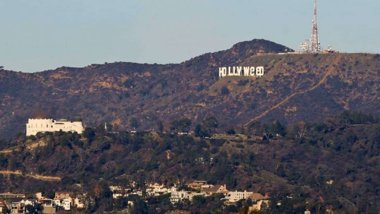 """Hollywood sign vandalized to read """"Hollyweed"""" (VIDEO/PHOTO)"""