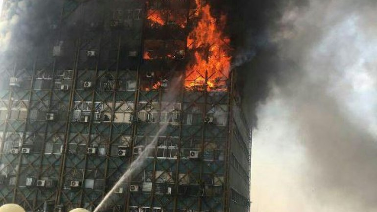 At least 75 dead after building collapses following devastating fire in Tehran (PHOTO/VIDEO)