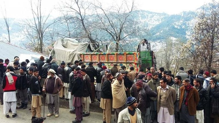 5 killed, 30 injured after truck rams into school in Kashmir