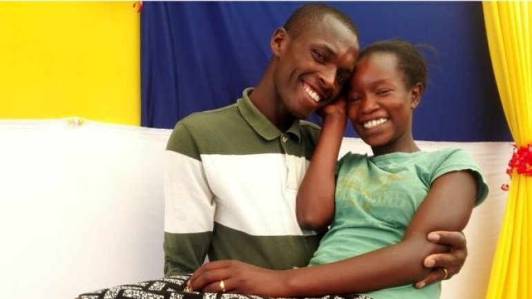 Kenyan couple get popular on social media after having $1 wedding