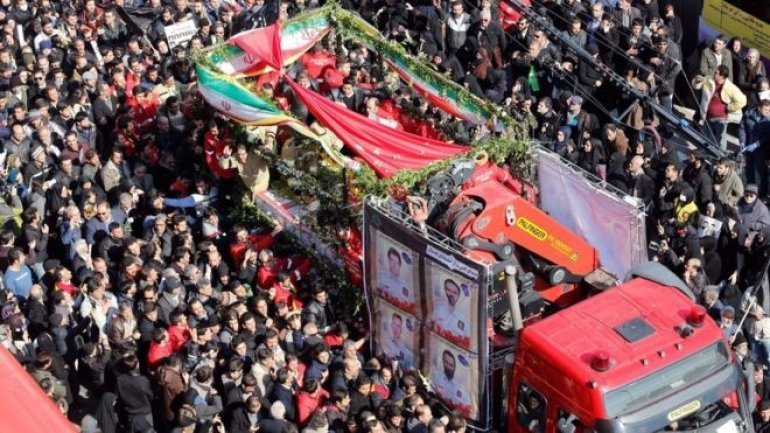 Funeral for firemen dead in Tehran building collapse draws thousands