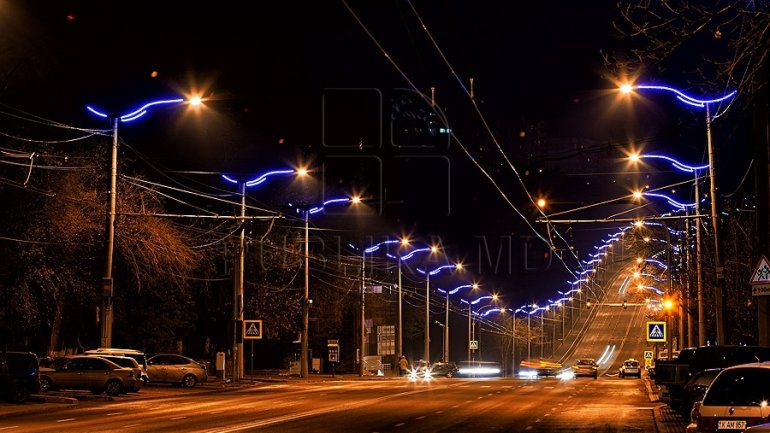 Over 100,000 lei spent by Chisinau City Hall on restoration of electric pillars