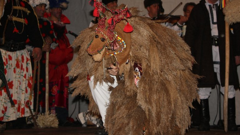 Winter traditions revived at Winter Tales festival in Crihana Veche, Cahul