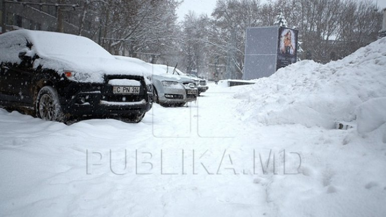 Roads closed in Moldova because of blizzard