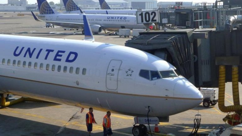 United flights delayed after computer glitch grounds U.S. planes