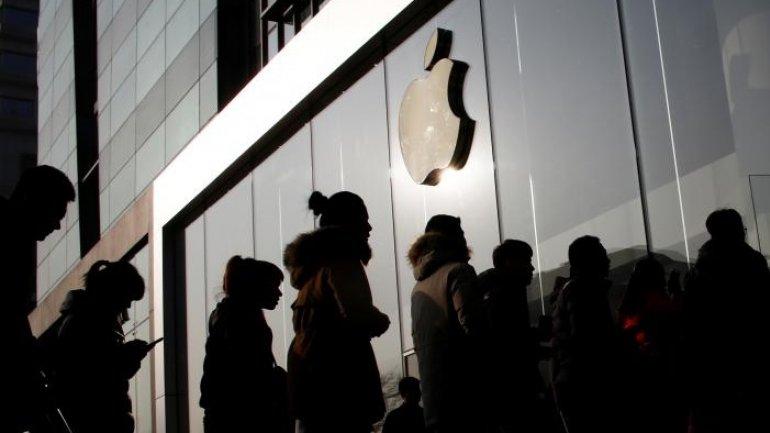 Apple files $1 billion lawsuit against chip supplier Qualcomm