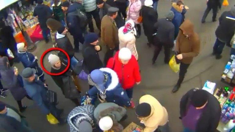Woman arrested after surveillance cameras capture her stealing money (VIDEO)
