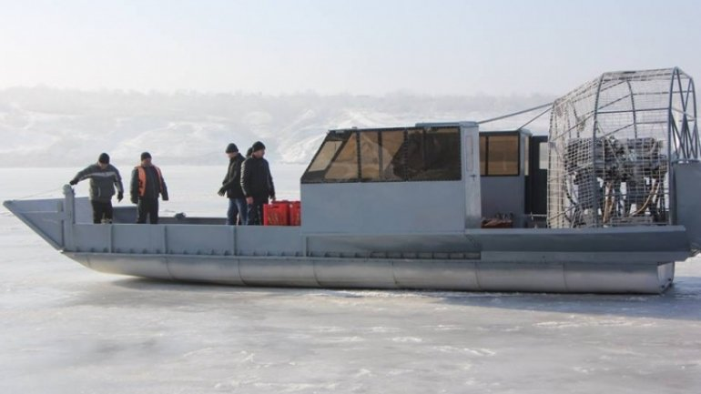 Hovercraft gets functional to carry people, goods over Dniester