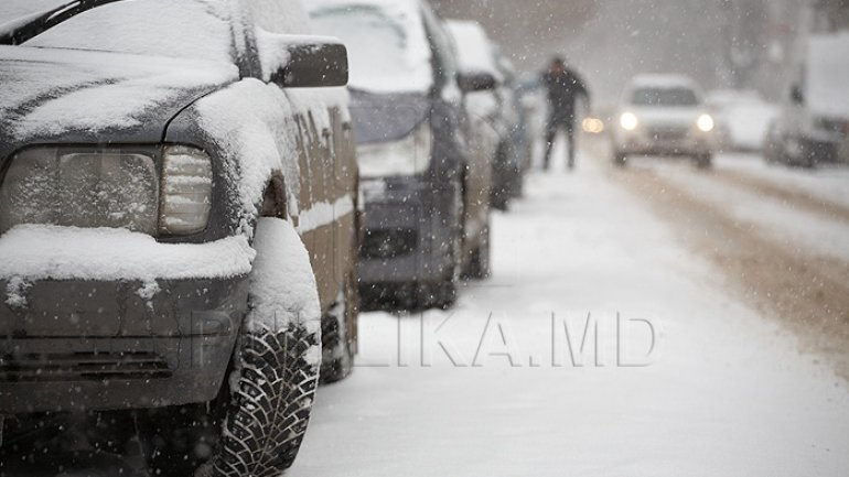 Blizzard covers Moldovan roads in deep snow (PHOTO)