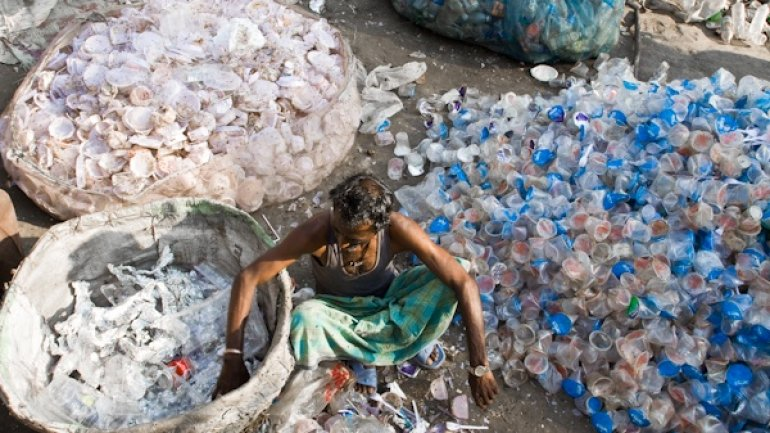 India prohibits all forms of disposable plastic in Delhi area