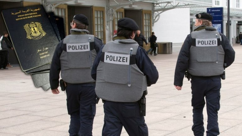 Austrian police arrest 8 on suspicion of links to ISIS