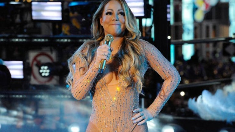 "Mariah Carey ends 2016 on low note with ""disastrous"" New Year's Eve performance (VIDEO)"