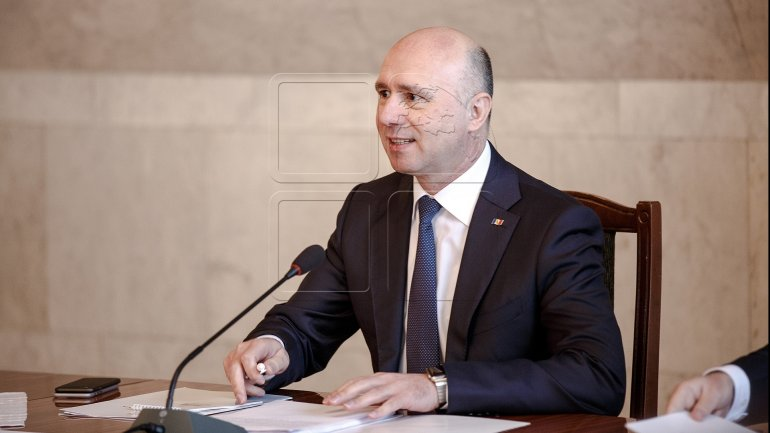 Prime Minister Pavel Filip congratulates Romanian counterpart on appointment to office