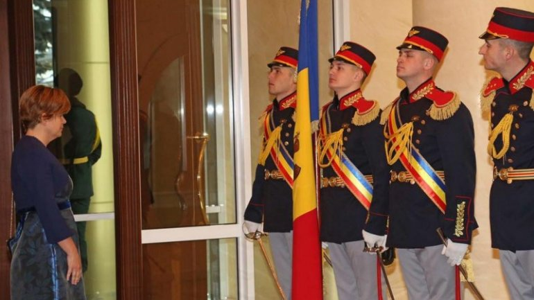 President Igor Dodon receives credentials from four newly appointed ambassadors