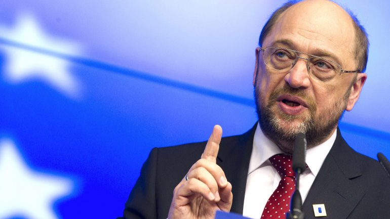 GERMAN ELECTIONS: SPD's new leader Schulz is as popular as Merkel in poll