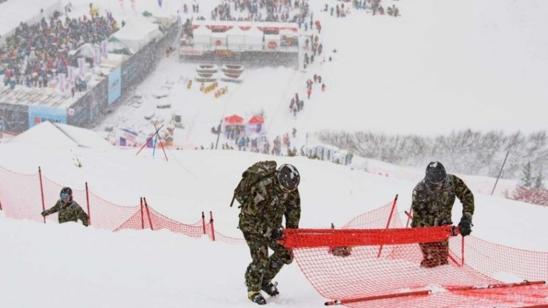 Ski World Cup: Lauberhorn race cancelled because of too much snow