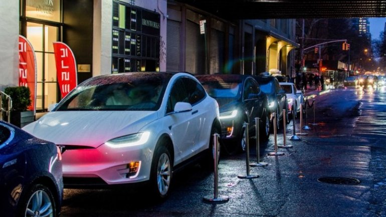 """Elon Musk says to expect """"major"""" Tesla hardware revisions almost annually"""