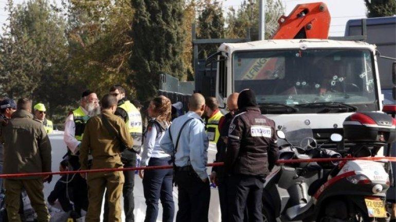 Palestinian kills four by ramming truck into crowd in Jerusalem