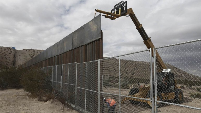 Israeli company's shows readiness to build Trump's wall