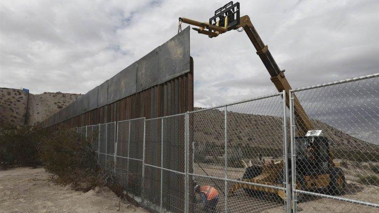 Israeli company's shows readiness to build Trump's wall