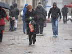 Doctors advise citizens to wear Slip Resistant Shoes in winter to avoid injuries