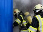 Firefighter training: Rescuers face smoke and high temperatures (VIDEO)
