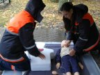 Learning first aid. Dozens master simple skills to help save lives (VIDEO)