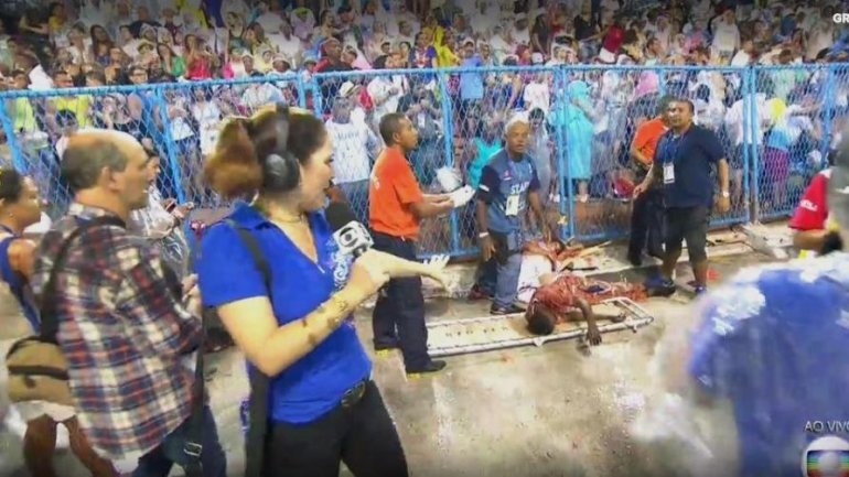 Rio carnival: 20 hurt as out-of-control float hits fence (PHOTO/VIDEO)