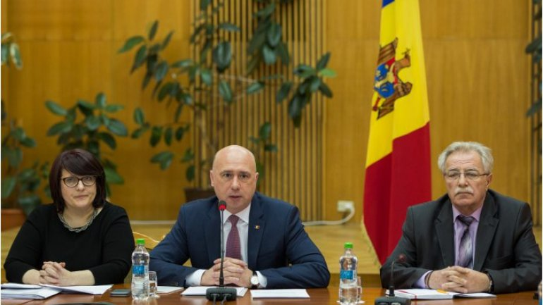 Moldovan PM chairs meeting on draft list of professional training fields