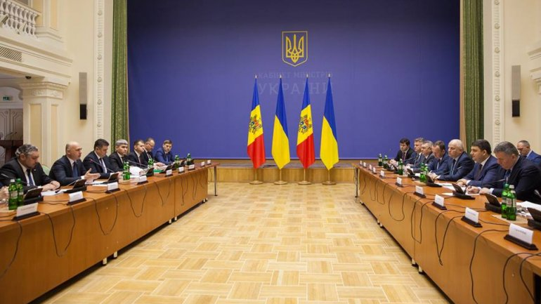 Minister of Internal Affairs SIGNS protocol on bilateral cooperation on border points with Ukraine