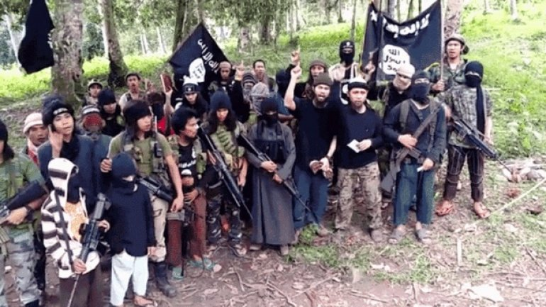 Philippine Abu Sayyaf jihadists behead German hostage in video