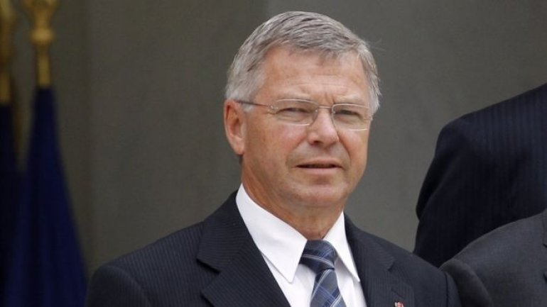 Former Norwegian PM says he was held at US airport over Iran visit
