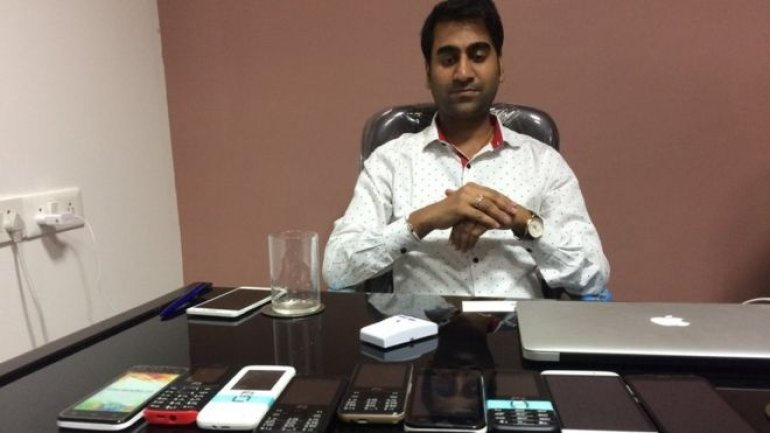 """India police arrest """"world's cheapest smartphone"""" firm boss"""
