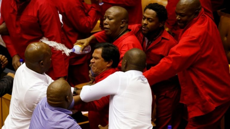 Brawl in South African parliament (VIDEO)