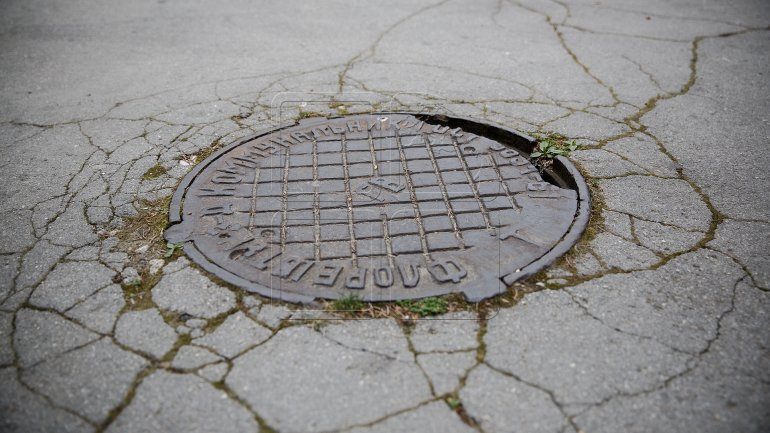 Sewer covers - profitable business for thieves