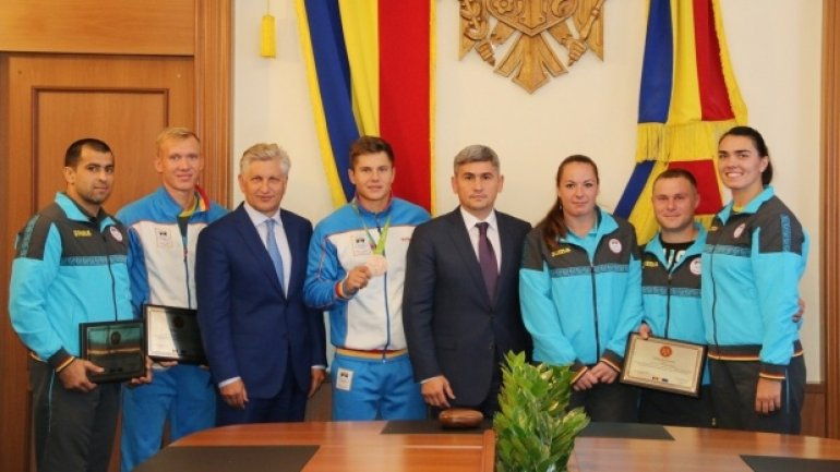 Moldovan Olympians receive prizes for outstanding performances in Rio de Janeiro