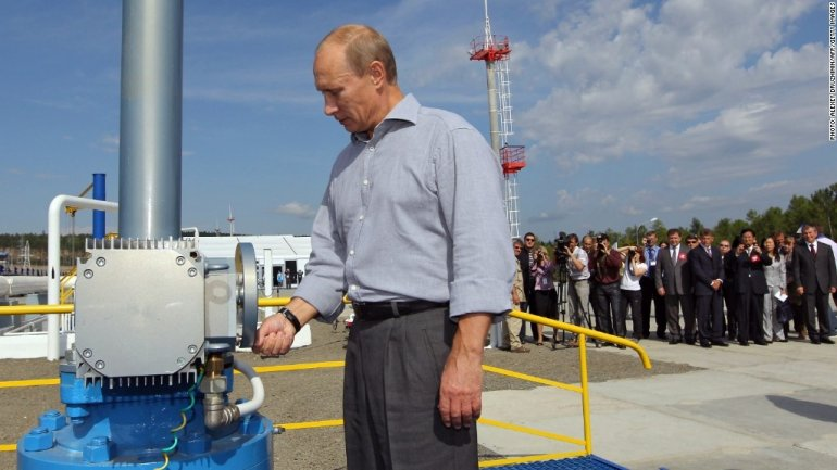 Russia has taken over Saudi Arabia and becomes world's first crude producer