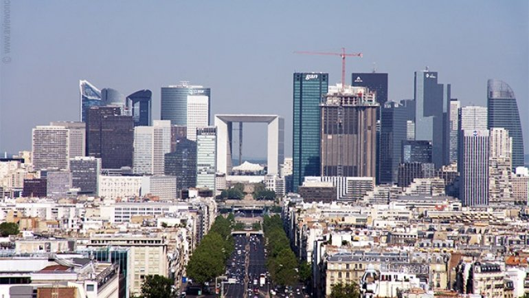 Paris mulls over building skyscrapers to accommodate banks fleeing Brexit