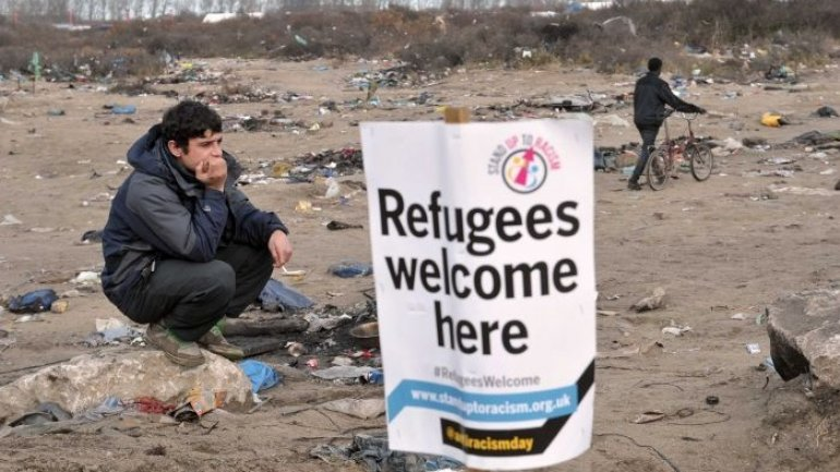 French police, noticed to have tear-gassed refugees