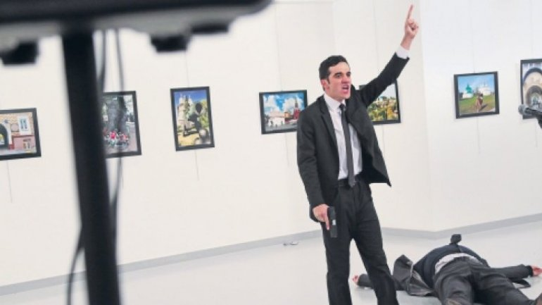 AP image of Turkish assassin wins World Press Photo award