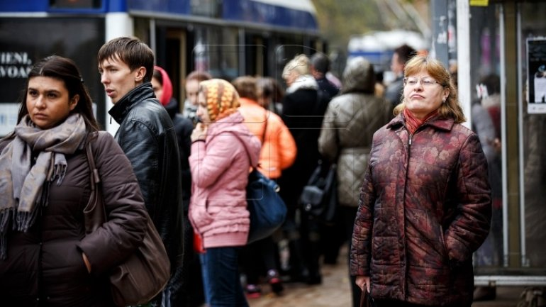 POLL: Number of Moldovans seeing direction as wrong plummets