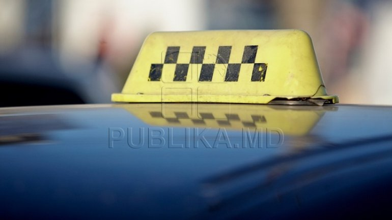 Raiding taxi drivers in Chisinau yields fines and bans
